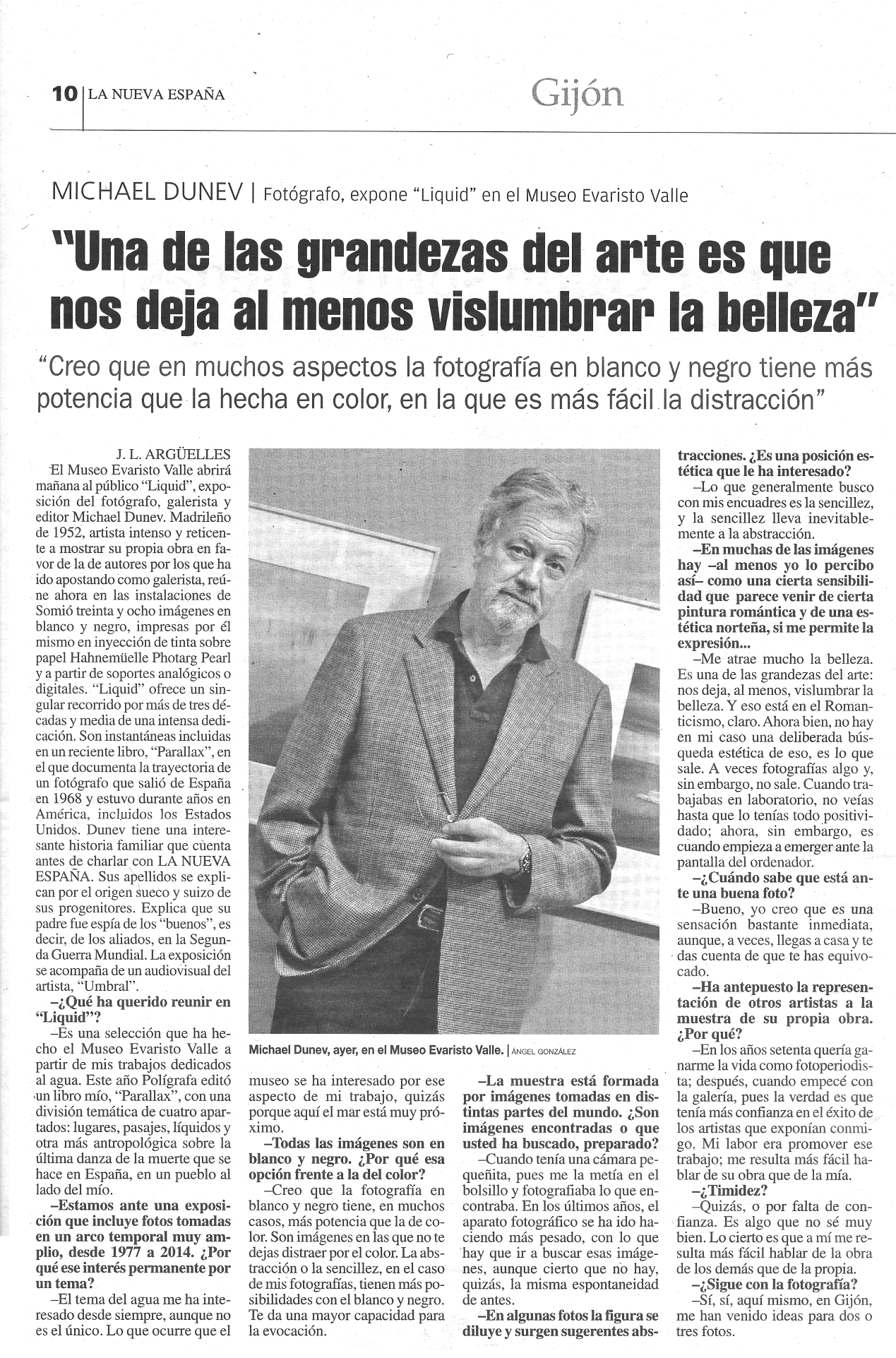 LIQUID Exhibition review in La Nueva España